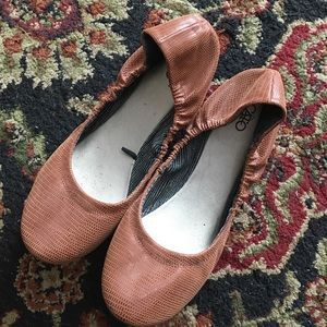Ladies brown scrunched ballet flats Catos